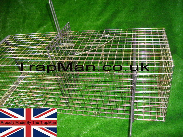 Heavy duty�trap divider�can be used to restrain the feral cat against the bars of the cage�whilst safely administering the injection. The cat trap divider is inserted into the top or side of a trap or cage to manoeuvre the cat into a small area of the cage.